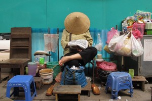 To do and enjoy what good we can: street vendor in Vietnam