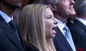 Streisand sings for Shimon Peres' birthday