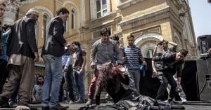 Religious men attack Farkhunda