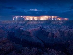 desert-lightning